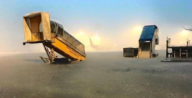 TP HCM khẩn cấp chống ngập cho sân bay Tân Sơn Nhất
